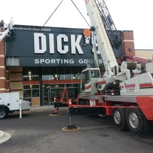 Crane lifting sign